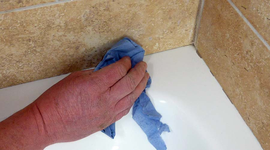 how to seal bathroom tiles tips and advice on how to seal a shower tray 23478
